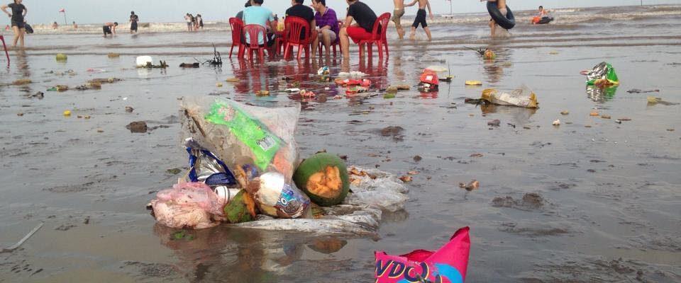 Kết quả hình ảnh cho bãi biển rác